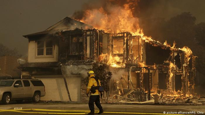 USA California wildfires (picture-alliance/AP/J. Chiu)