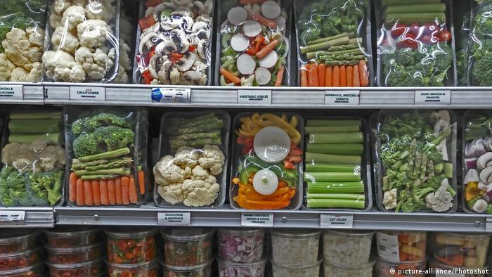 Embalagens de verduras em pratileira