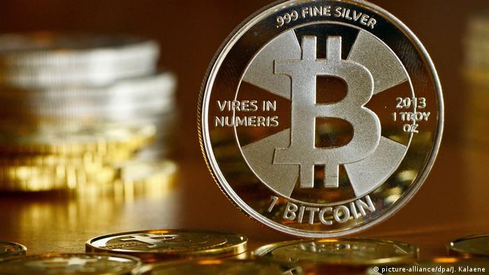 Bitcoin (picture-alliance/dpa/J. Kalaene)