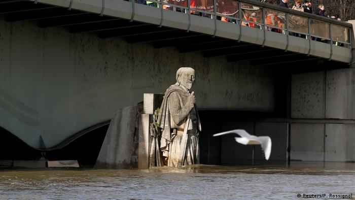 Flooding in Paris (Reuters/P. Rossignol)