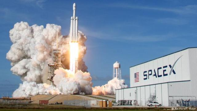 SpaceX Falcon Heavy Rakete am Kennedy Space Center in Cape Canaveral (Reuters / T. Baur)