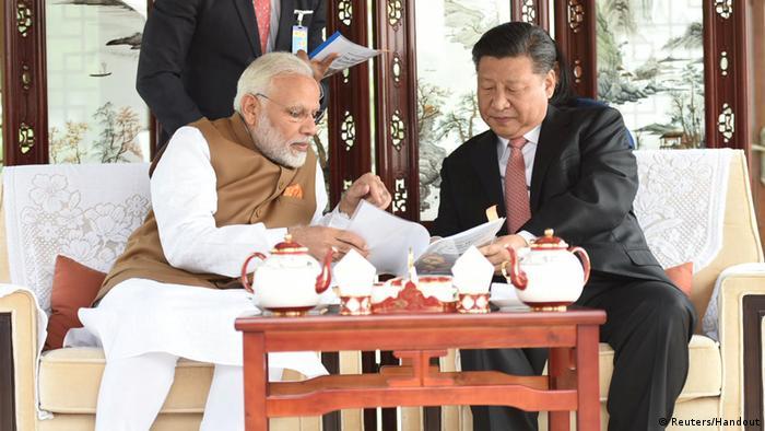 Narendra Modi and Xi Jinping (Reuters/Handout)