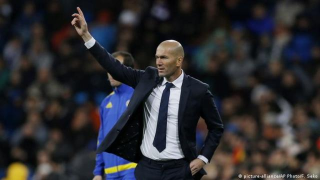 Real Madrid Trainer Zinedine Zidane (picture-alliance / AP Photo / F. Seko)