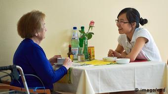 Deutschland Pflegekäfte aus dem Ausland (imago/epd)