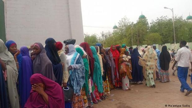 Women line up to vote in Nigerian state elections