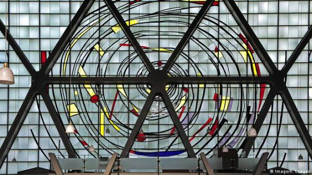 Bottrop church window by Georg Meistermann (Imago/R. Lueger)