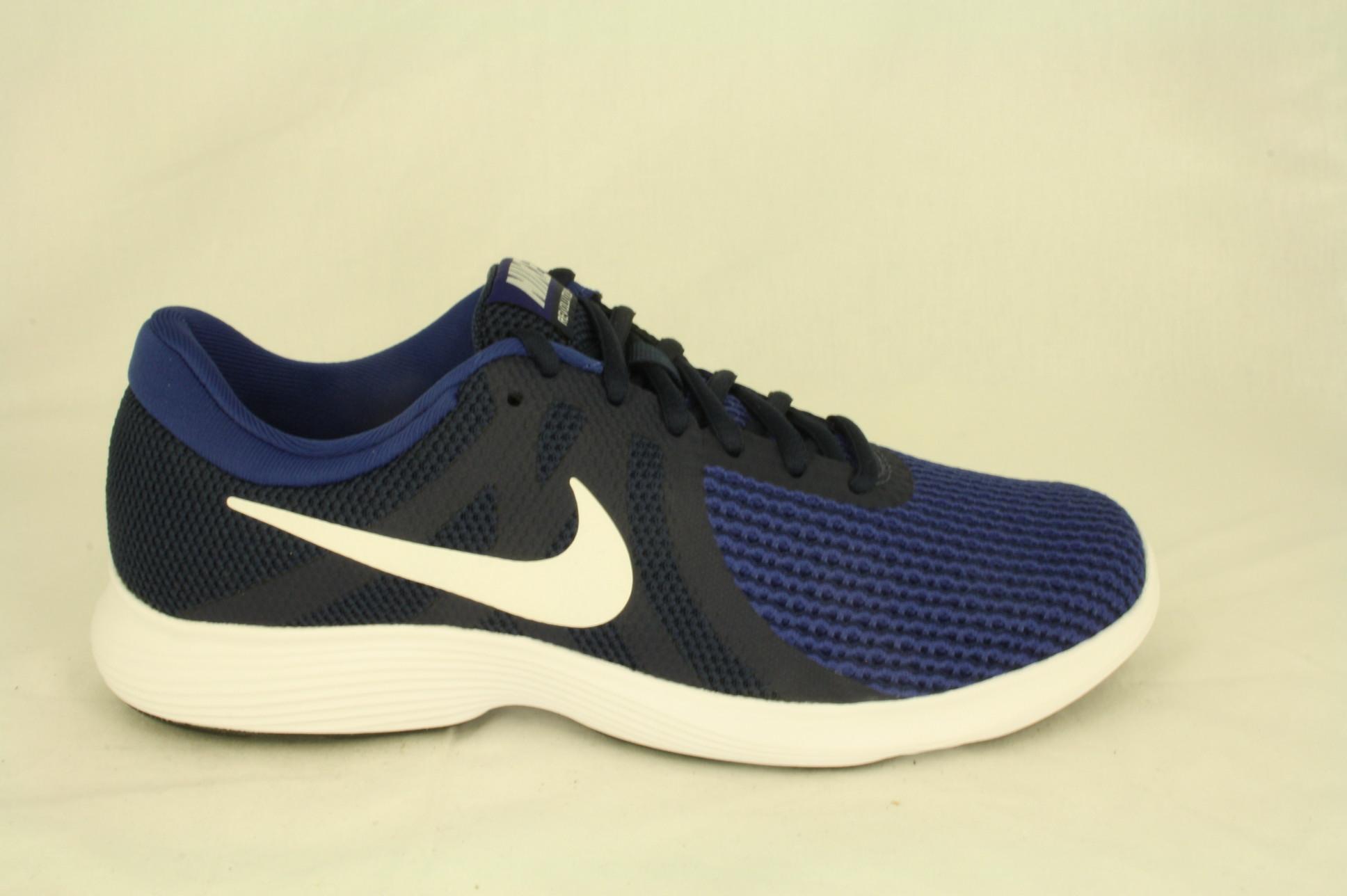 Dwars schoen en sportmode Nike: voetbalschoen, Mercurial
