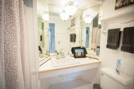 house tour cottage guest bathroom