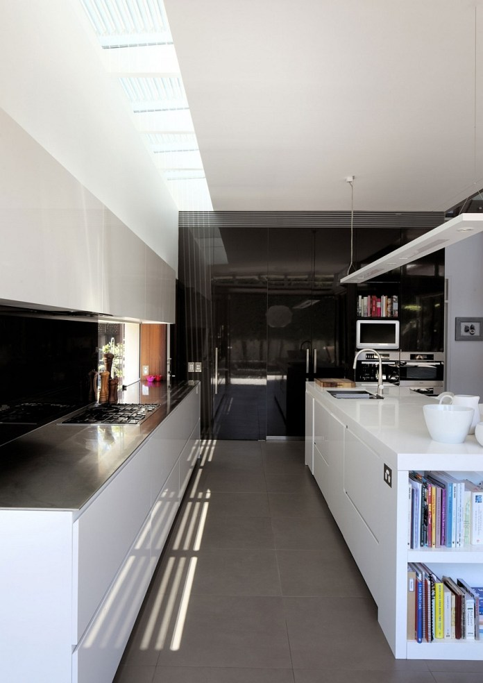 Efficinet-contemporary-kitchen