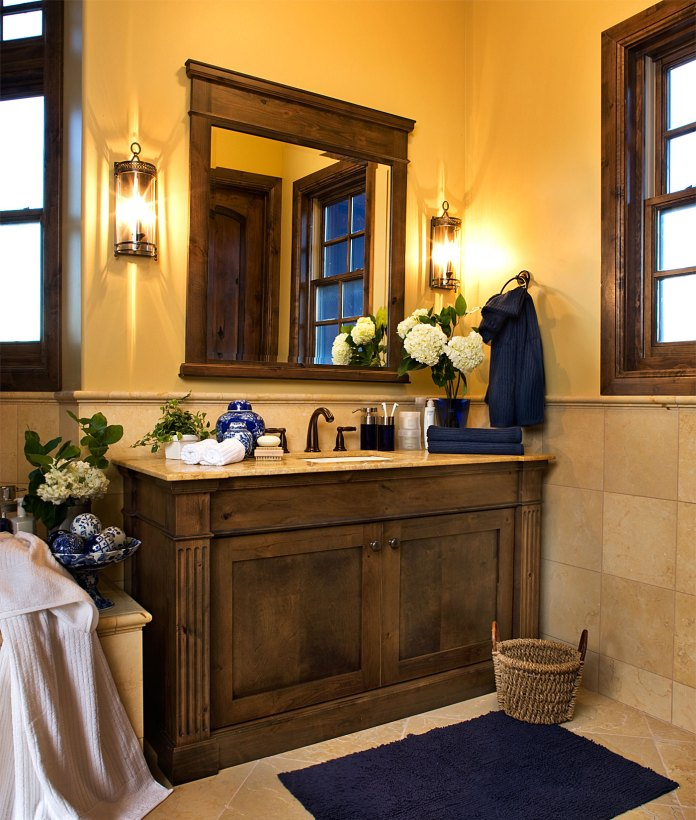 Fabulous-Bathroom-Vanity-Lighting-Design-in-Traditional-Style-using-Small-Shape-and-Wooden-Vanity-Decoration-Ideas-for-Inspiration