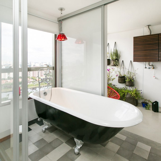 marvelous-apartamento-panamby-design-interior-with-minimalist-bathroom-space-in-traditional-decoration-for-home-inspiration-680x680