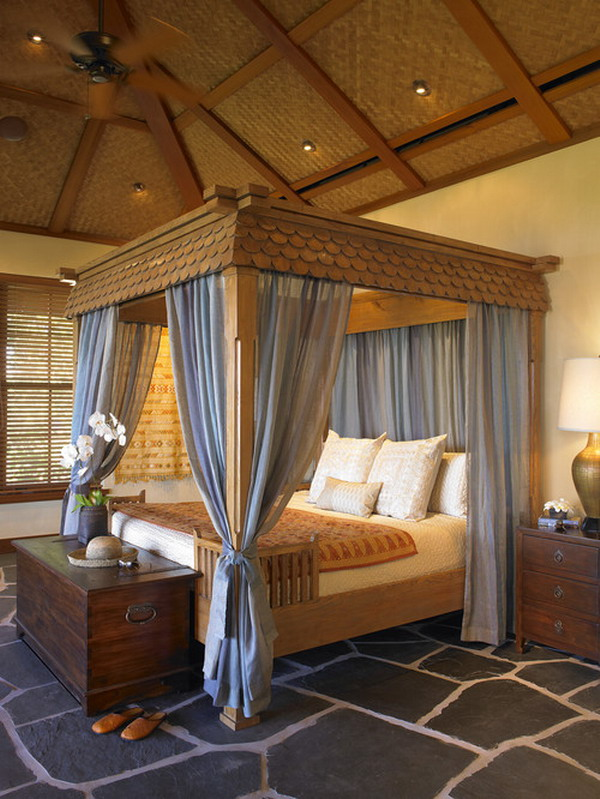 Classic Bedroom Design with Canopy Bed Curtain