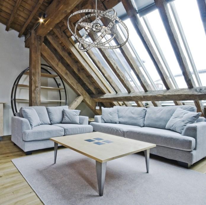 Contemporary-design-ideas-with-Sublime-chrome-chandelier