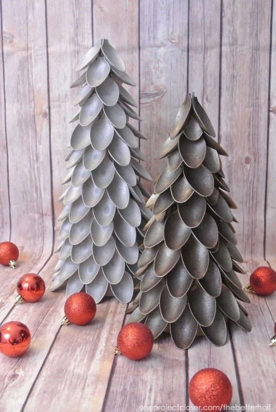 DIY Plastic Spoon Christmas Tree