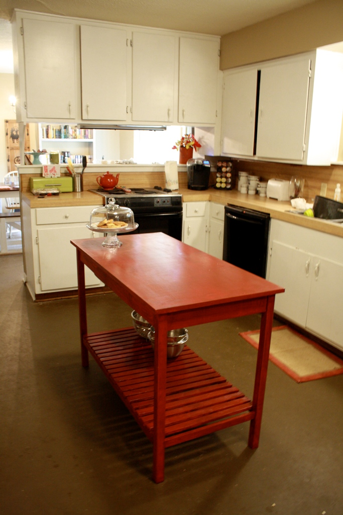 Red-DIY-Kitchen-Island-Ideas