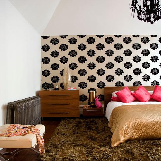 bedroom-wallpaper-feature