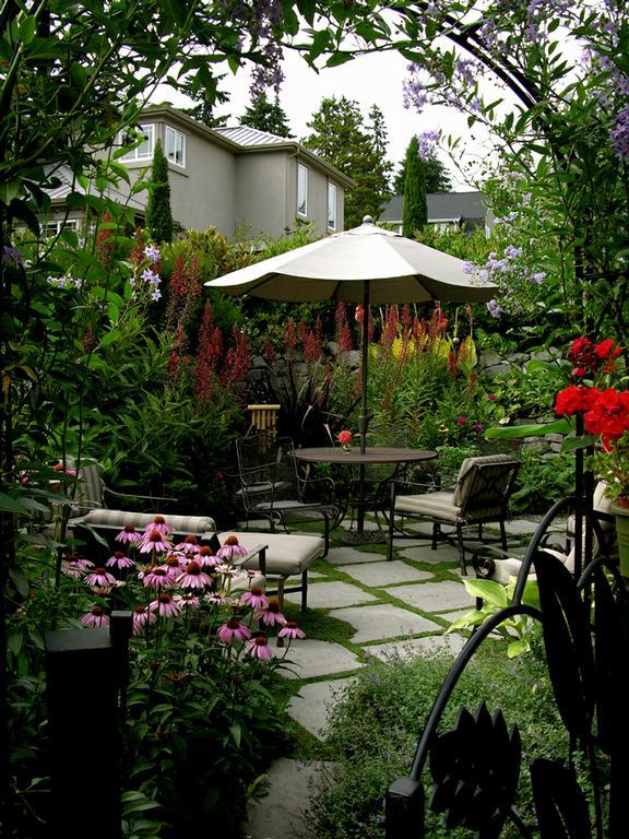 25 Peaceful Small Garden Landscape Design Ideas on Small Landscape Garden Design  id=40685