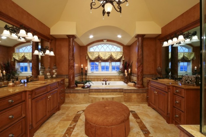 Luxurious-Master-Bathroom