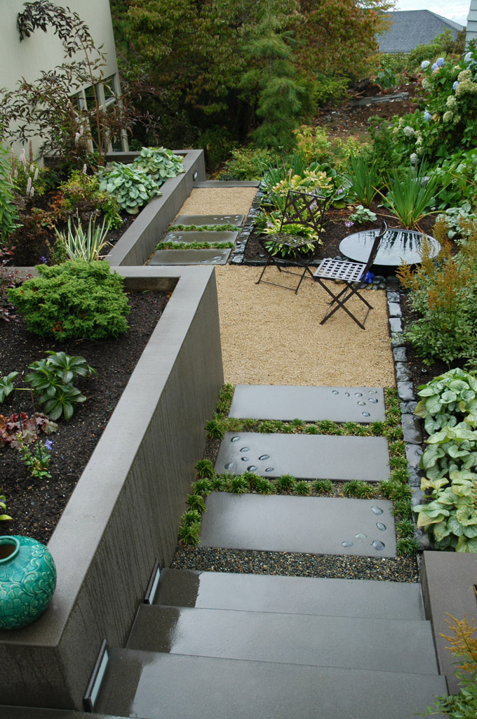 25 Peaceful Small Garden Landscape Design Ideas on Backyard Lawn Designs  id=18635