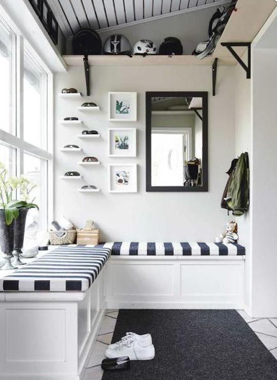 30 Beautiful Mudroom Design Ideas