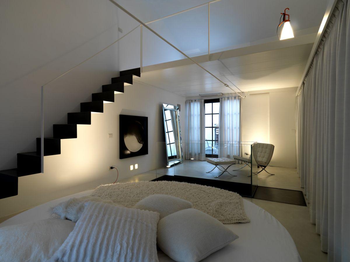 25 Cool Space Saving Loft Bedroom Designs on Cool Bedroom Ideas  id=13382