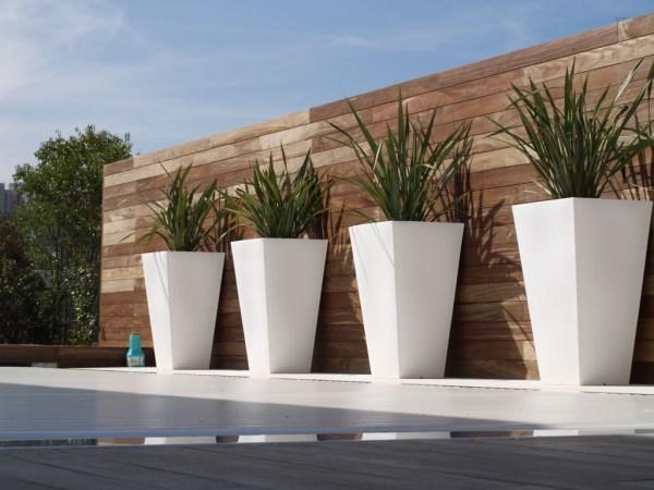 contemporary garden planters 25 Great Ideas For Modern Outdoor Design