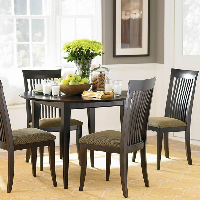 Dining-Room-Black-And-White-Dining