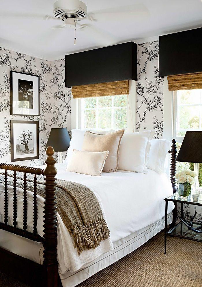 25 Simple Farmhouse Bedroom Design Ideas on Farmhouse Bedroom Curtain Ideas  id=63683