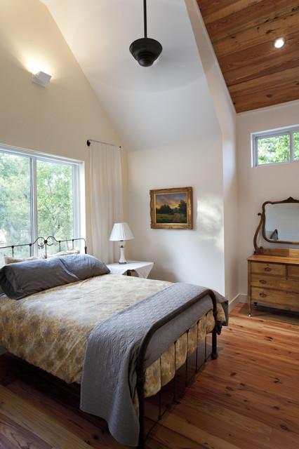 25 Simple Farmhouse Bedroom Design Ideas on Bedroom Farmhouse Decor  id=47309