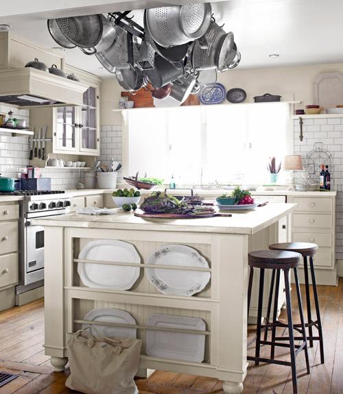 kitchen-island-haning-pot-rack