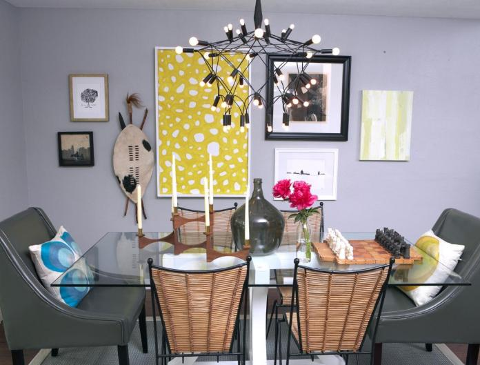 Eclectic Dining Room With Gallery Wall