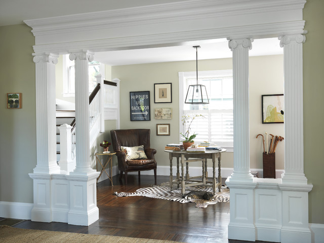 Living Room to Lobby traditional-entry