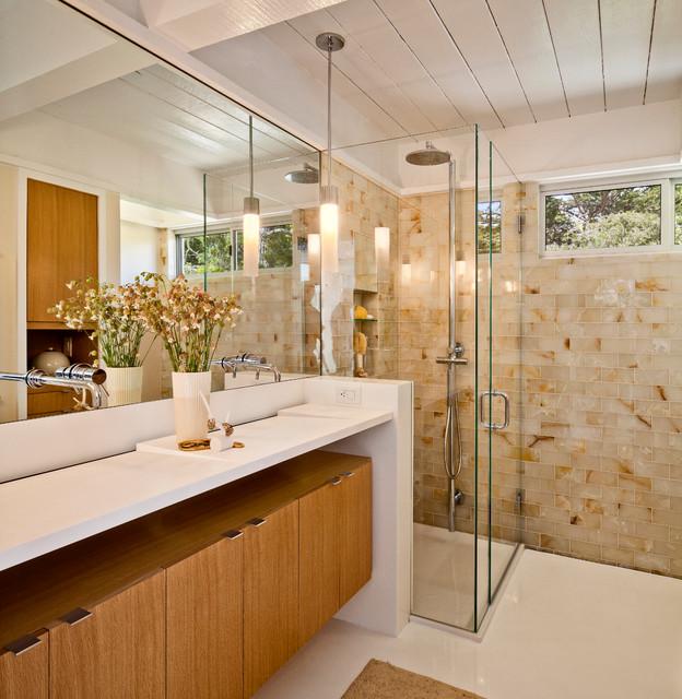 Mid century bathroom Photo