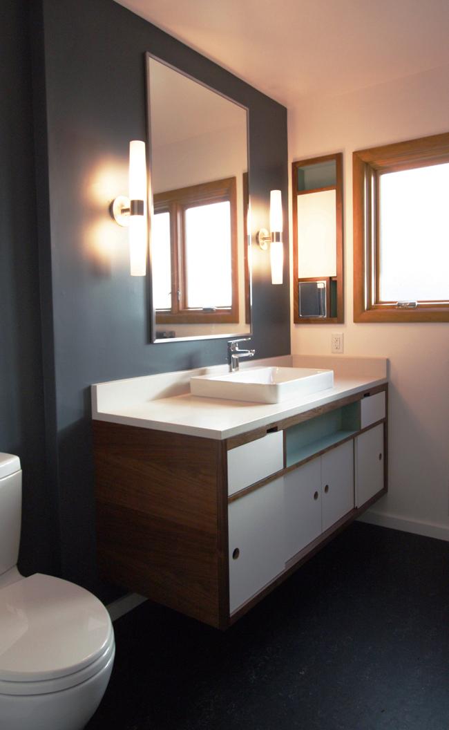 Mid century bathroom