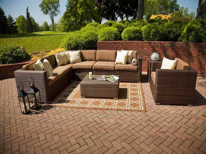 rustic-outdoor-tables-rustic-patio