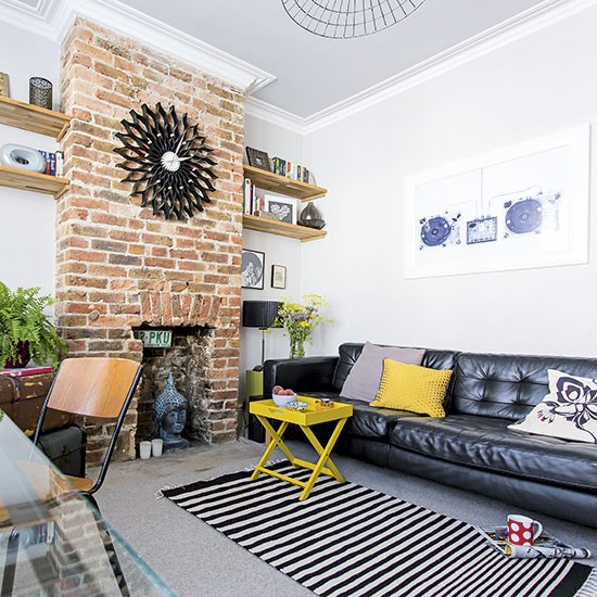 Living Room With Exposed Brick Wall (22)
