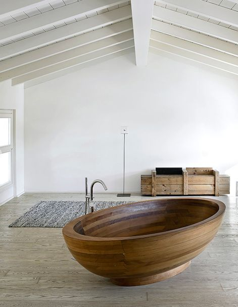 Amazing Bathrooms With Wooden Bathtub (4)