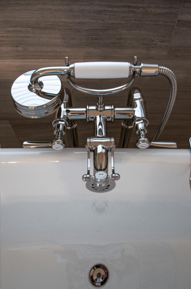 Contemporary Bathroom2