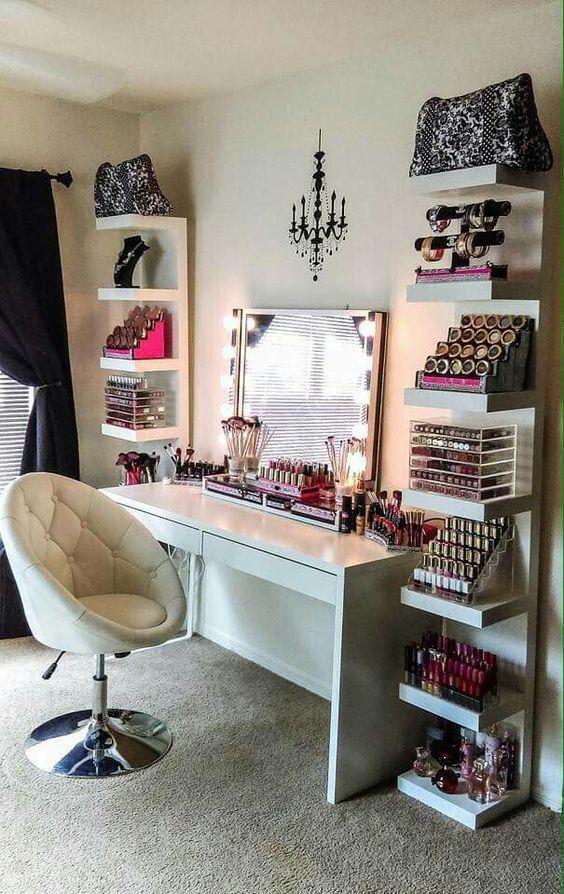 Stunning Bedroom Vanity Ideas (10)