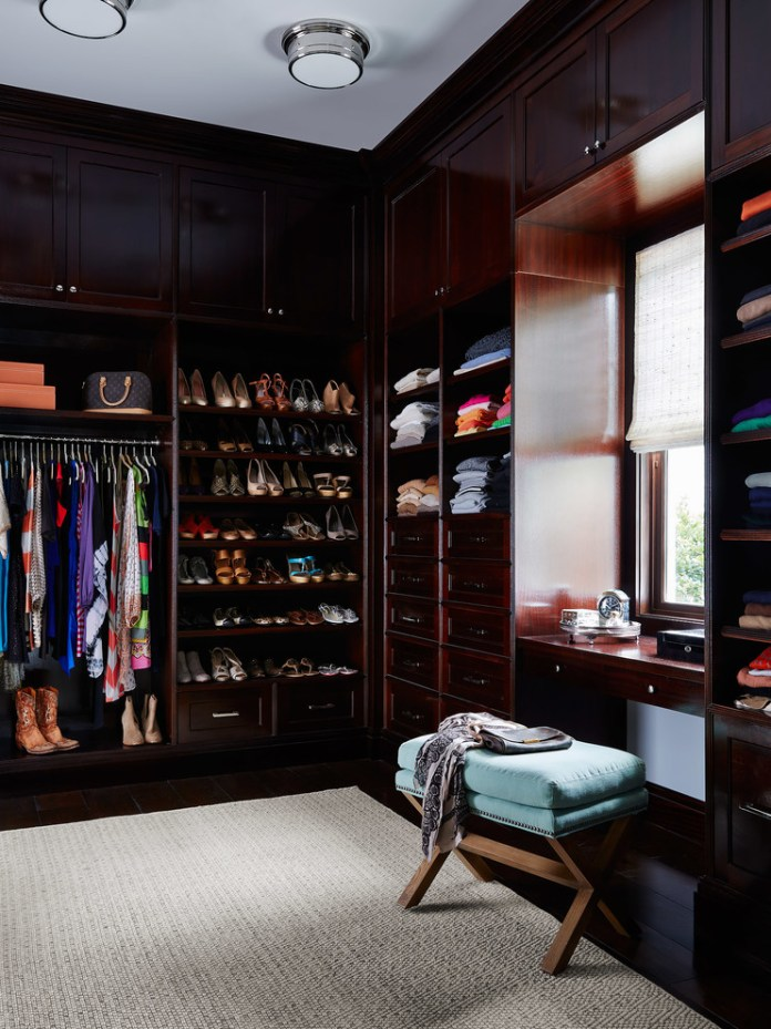 beach-style-closet-design