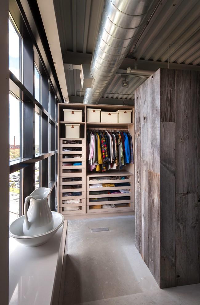 industrial-closet-design