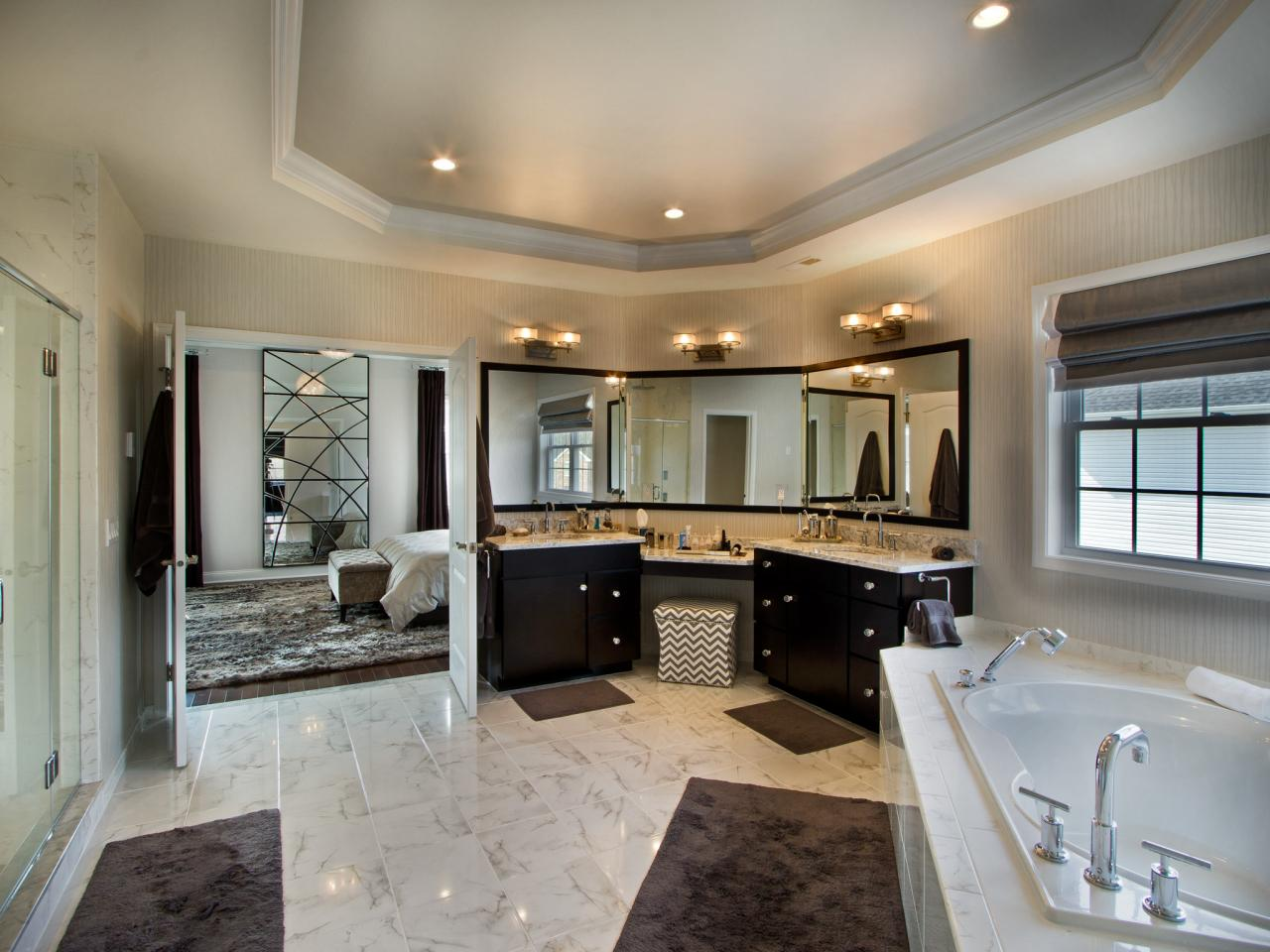 25 Extraordinary Master Bathroom Designs on Master Bathroom Remodel Ideas  id=87927