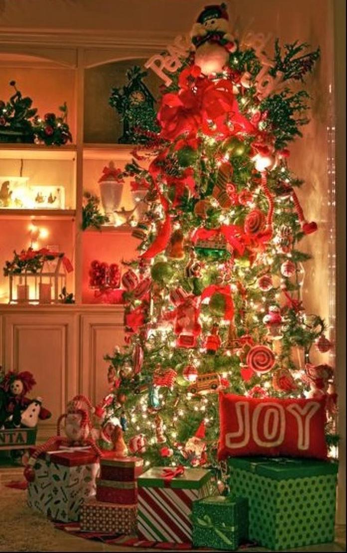 awesome-christmas-tree-decorating-ideas-17