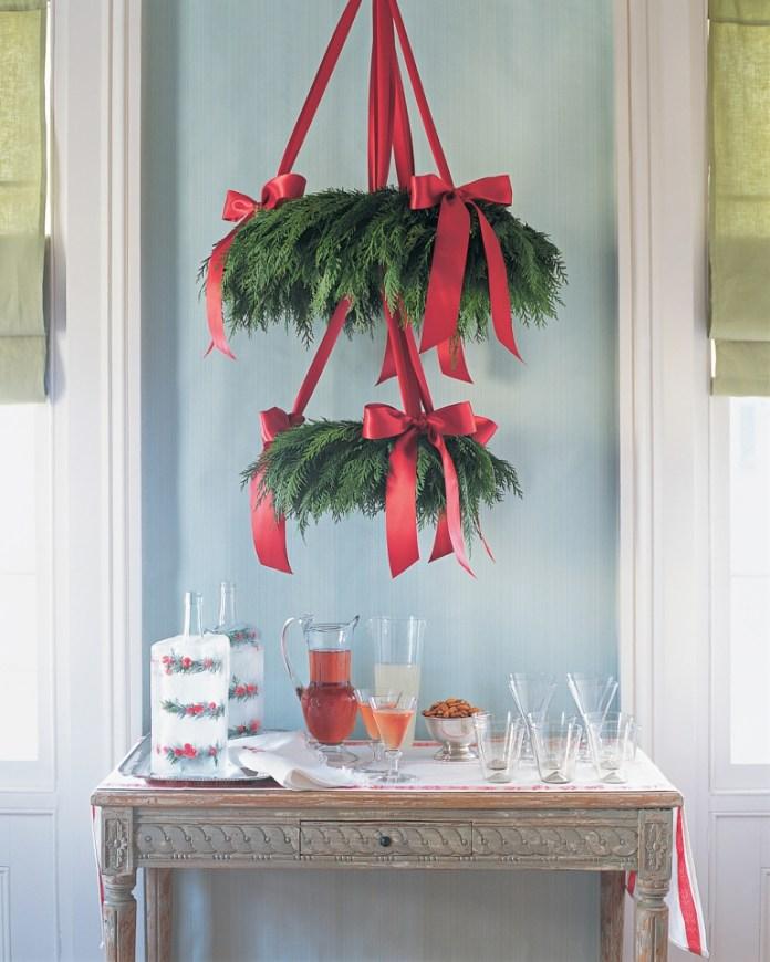 Cedar-Wreath-Chandelier
