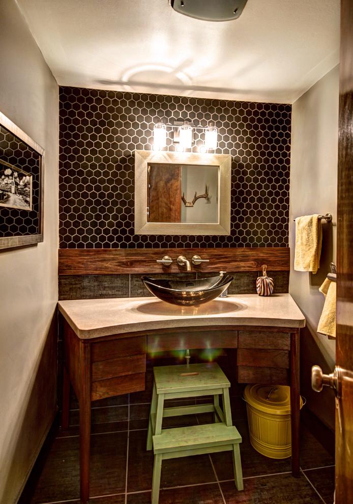 concrete-midcentury-bathroom