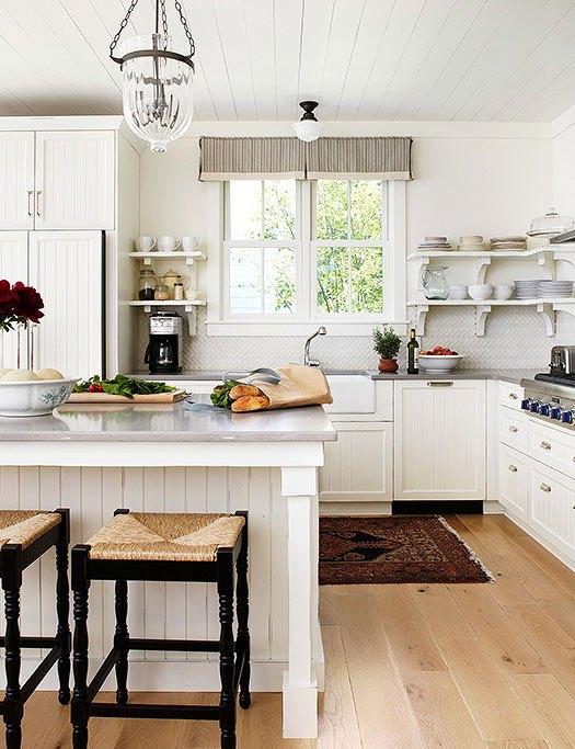 farmhouse-style-trendy-kitchen