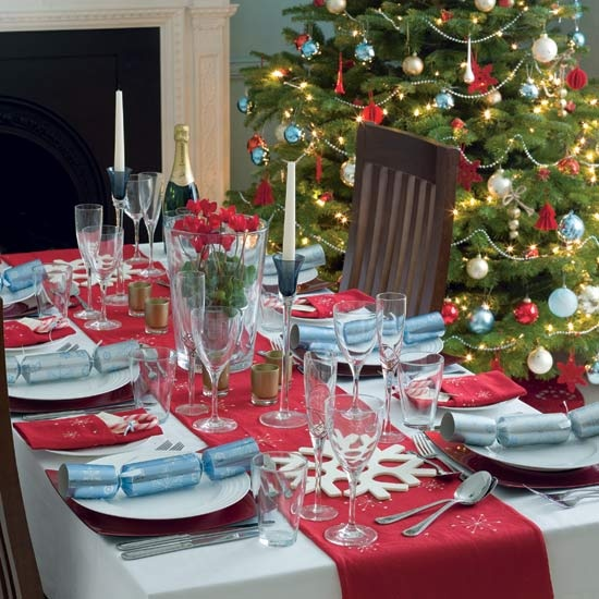 pretty-christmas-table-decoration-ideas-12
