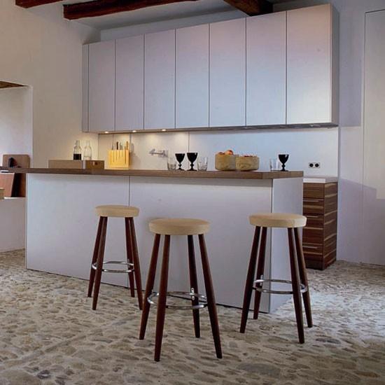 rustic-kitchen-bar-stools