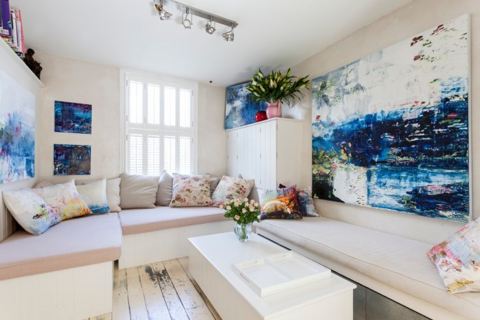 small-shabby-chic-style-living-room