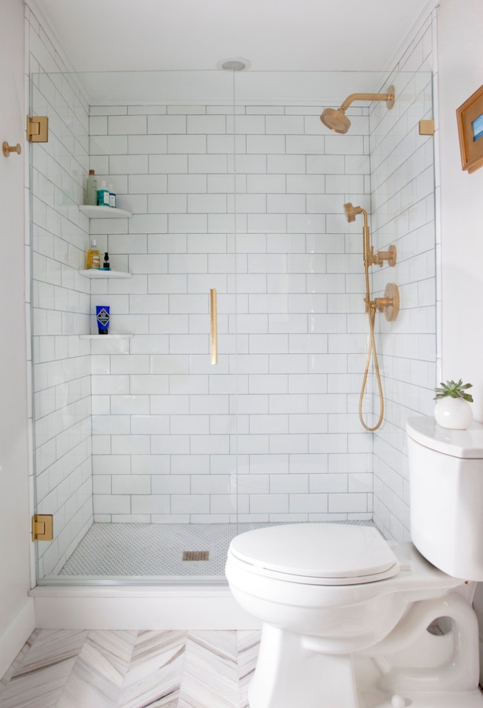 all-white-small-bathroom